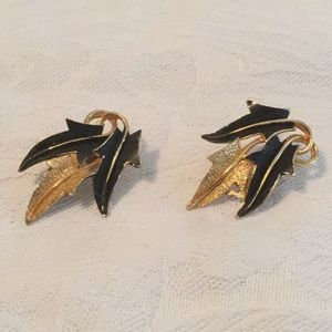 🌹Exciting Estate Clip Style Vintage Earrings 🌹